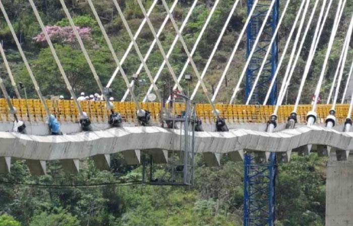 ¿Qué dice el gobierno sobre el puente que se volvió 'acordeón'?