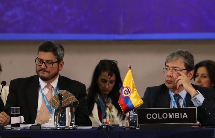 El ministro de Exteriores de Colombia, Carlos Holmes Trujillo, participa en la IV Reunión de Ministros de Relaciones Exteriores de la Conferencia Iberoamericana. Foto. EFE