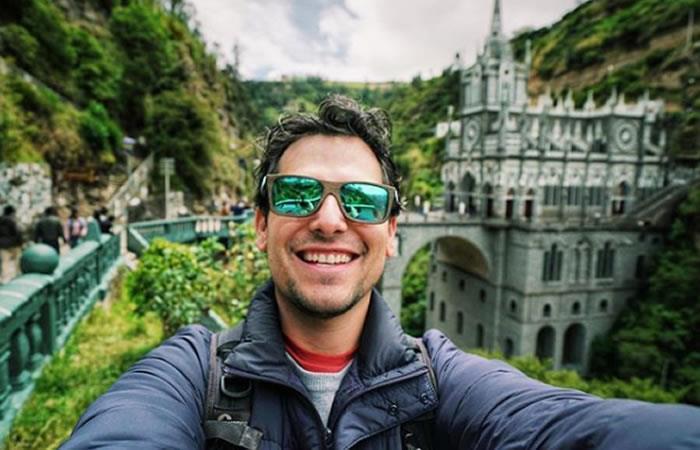 Alan Estrada en el Santuario de Las Lajas en Ipiales, Nariño. Foto: Instagram