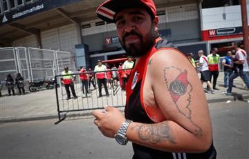 River vs. Boca: [VIDEO] Hinchas reciben con gas lacrimógeno y ladrillos a bus de Boca Juniors
