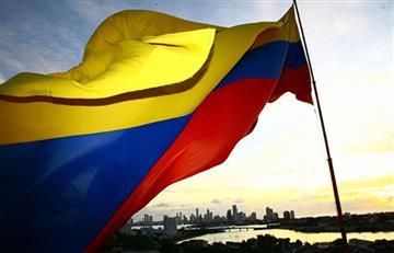 ¿Desde cuándo Colombia adopta su actual bandera?