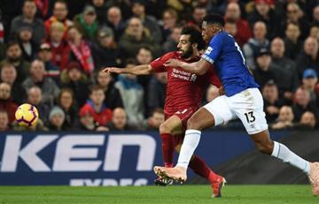 [VIDEO] Yerry Mina por poco le cambia la historia al clásico de Liverpool que perdió su equipo