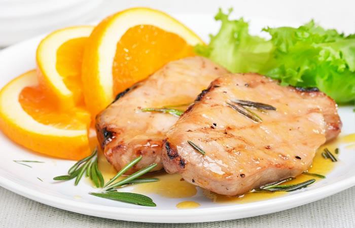 Chuletas de cerdo en salsa de naranja