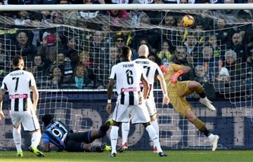 [VIDEO] Duván Zapata marca tripleta a su exequipo y hace historia para Colombia en Italia