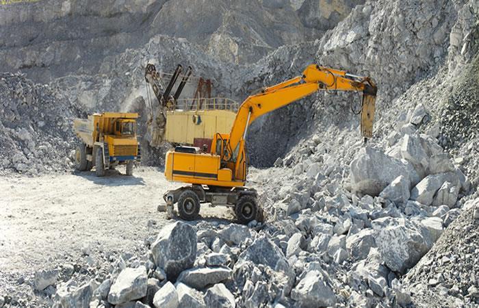 Gobierno apelará fallo que ordena suspender licencias mineras. Foto: Shutterstock