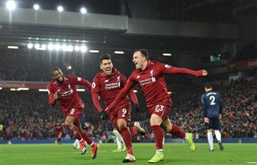Liverpool arrasó con un 3-1 al Manchester United y sigue al frente en la Premier