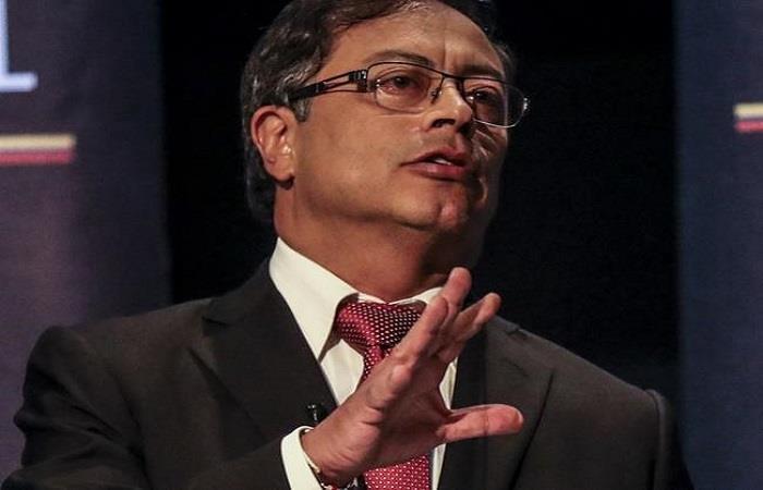 Gustavo Petro es el único senador que no está inscrito en algún partido político en Colombia. Foto: Twitter