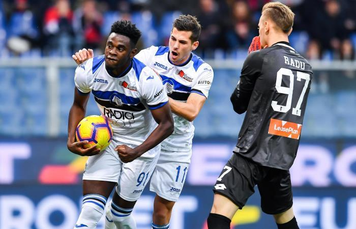 Duvan Zapata celebra su gol ante Génova. Foto: EFE