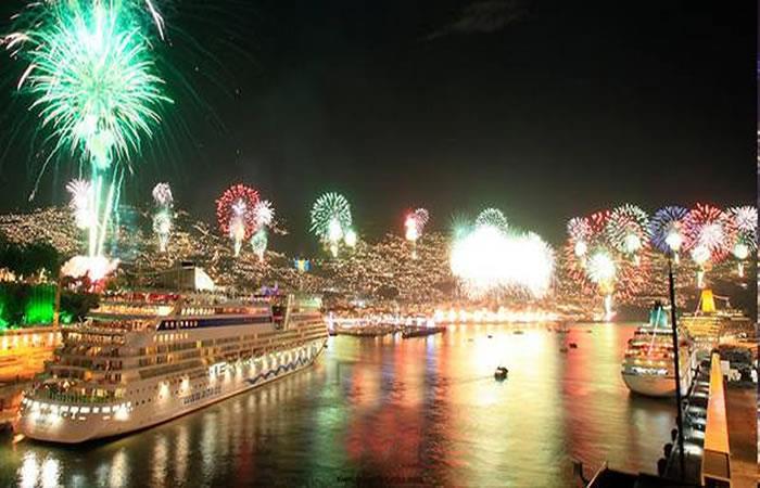 Pasar el Fin de Año en la playa o desde un crucero son algunas opciones increíbles. Foto: Twitter