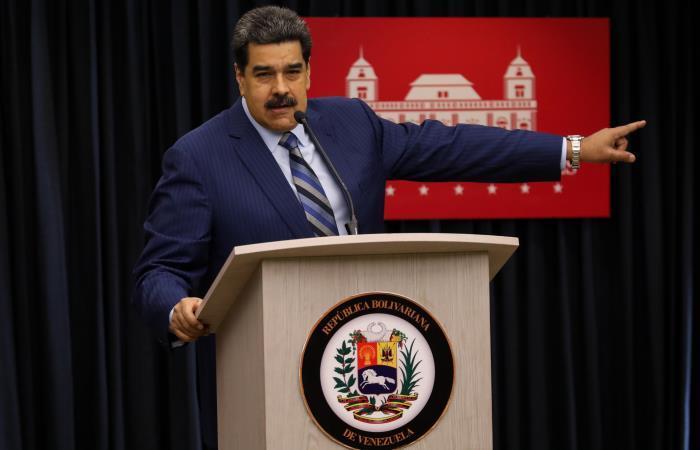 Nicolás Maduro alerta de presuntos