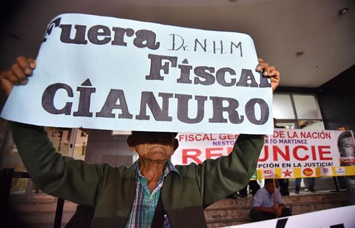#ChaoFiscal Colombianos piden renuncia del fiscal general por caso Odebrecht