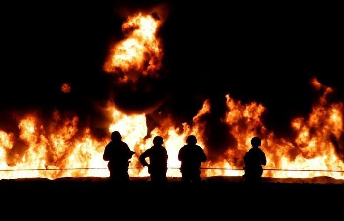 México: Explosión de ducto de gasolina ya deja 66 muertos