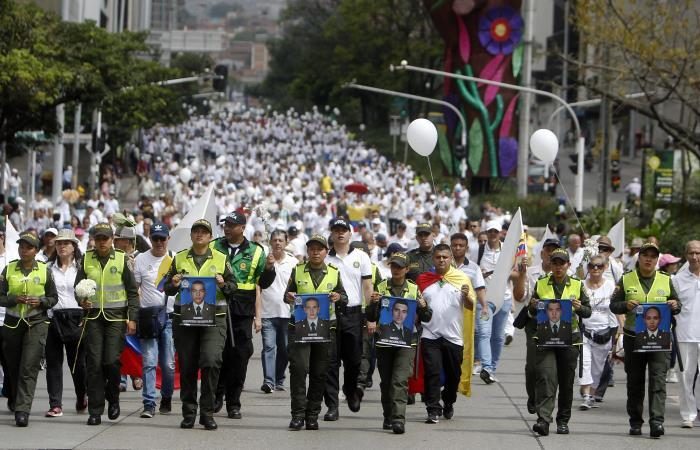 Colombia se manifestó en contra del ELN por atentado en la Escuela General Santander
