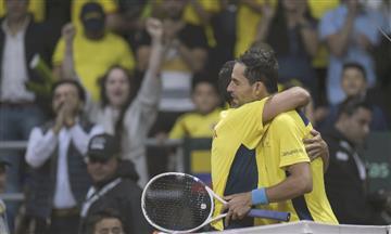 [VIDEO] Santiago Giralgo y Daniel Galán adelantan a Colombia en la Copa Davis