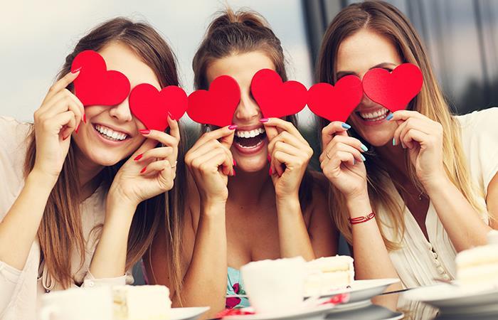 El amor es para todos, sin importar el mes. Foto: Shutterstock