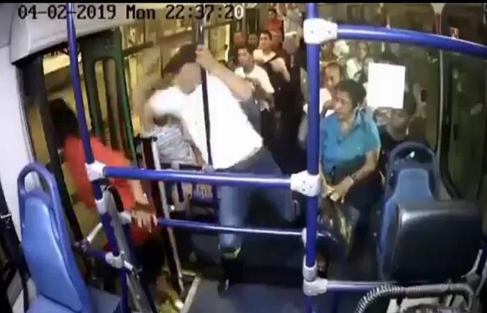 Barranquilla: Ladrón fue atacado con arma blanca por un pasajero de un bus