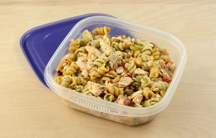 Comer pasta recalentada puede ser mortal