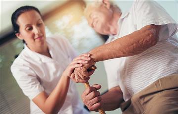 La única forma de ganarle al parkinson consiste en tratamientos integrales