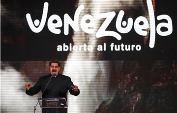 Ayudas comienzan a llegar a Caracas mientras Maduro lanza plan turístico