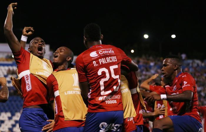 Copa Libertadores: Medellín busca su paso a tercera fase ante Palestino en casa