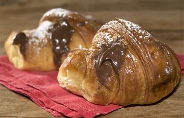 ¡Delicioso! Aprende a preparar un croissant relleno de nutella