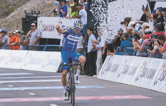 [VIDEO] ¡De infarto! Julian Alaphilippe gana la quinta etapa y es el nuevo líder del Tour Colombia 2.1
