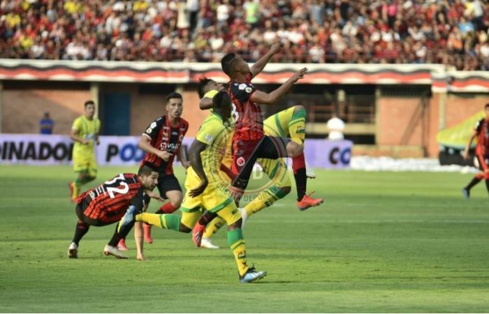 En la agonía, Cúcuta le ganó 3-2 a Bucaramanga en regreso del Clásico del Oriente