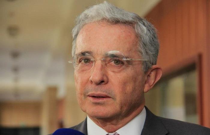 Álvaro Uribe pide que la ley estatutaria de la JEP sea eliminada