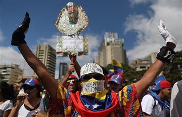 """La embajadora de Guaidó en Brasil: """"Vamos a pasar por esa frontera"""""""