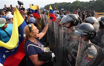 Policías antimotines desplegaron su fuerza en frontera con Venezuela