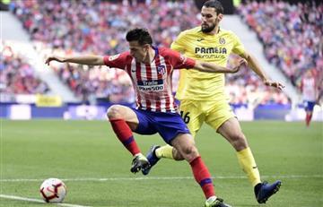 Frente a Queiroz, Santiago Arias le ganó a Bacca el duelo de colombianos en España