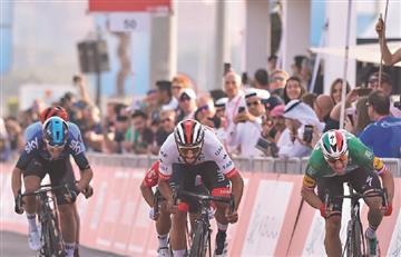 [VIDEO] Fernando Gaviria 'voló' en el primer sprint del Tour de los Emiratos