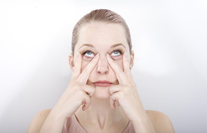 La técnica de yoga facial llegó para rejuvenecer tu piel con ejercicio