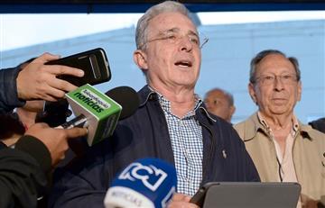 ¡No más! Uribe demandó a Petro por calumnias en redes sociales