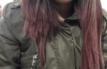 ¡De no creer! Joven denunció que le cortaron el cabello en pleno TransMilenio