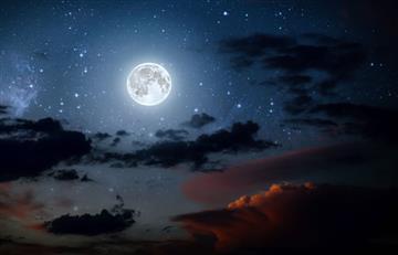 ¿Hermosa no? Astrofotógrafo capta los colores reales de la luna