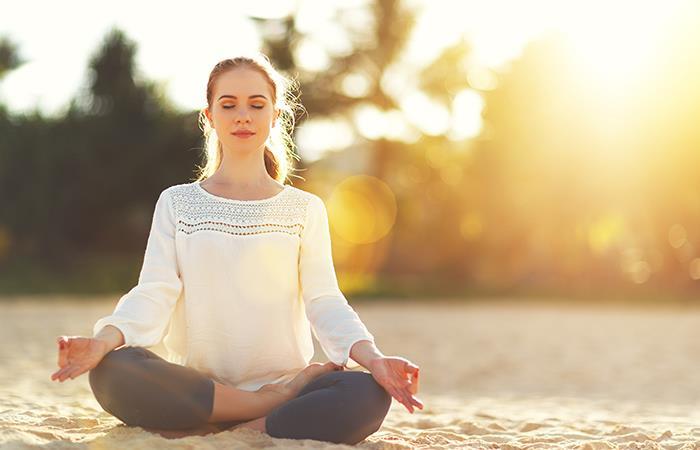 Mantén la calma con yoga. Foto: Shutterstock