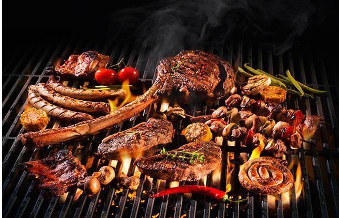 ¿Qué trae el asado típico colombiano?