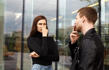 ¿Quieres dejar el cigarrillo? Andar entre fumadores te ayudaría