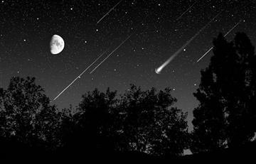 ¿Lluvia de meteoritos y planetas visibles? Esto es lo que ocurrirá en el cielo este mes