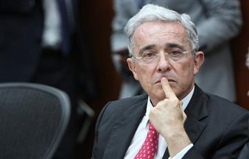 """¿Qué quiso decir? Por esta publicación, Uribe fue considerado como un """"paraquito"""" en Twitter"""