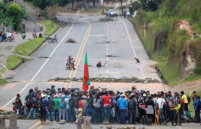 Más de 25 días duró el bloqueo que afectó a gran parte de los sectores económicos del país. Foto: Twitter