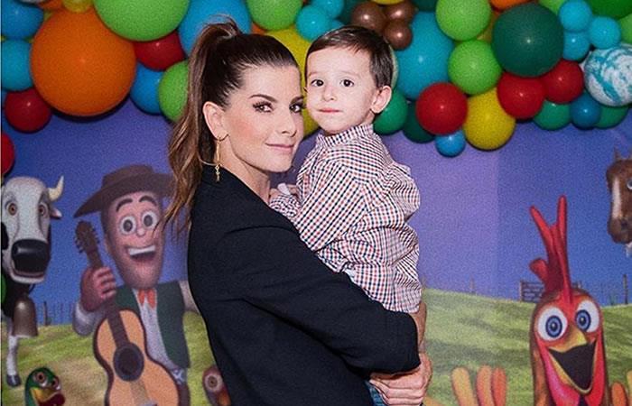 Carolina Cruz y su hijo Matías. Foto: Instagram