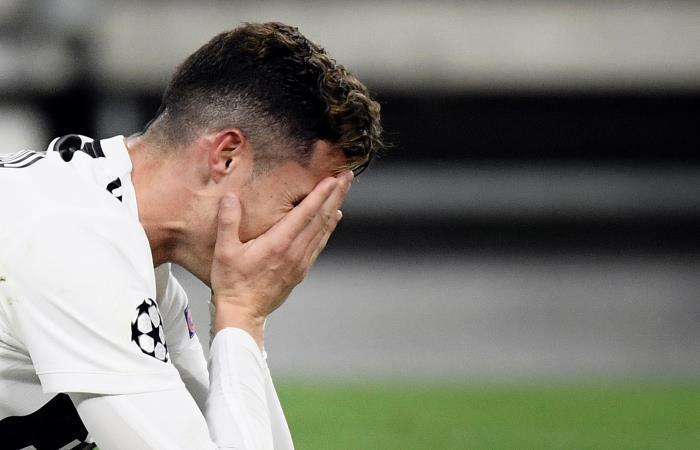 Cristiano Ronaldo lamenta la eliminación de su equipo. Foto: AFP