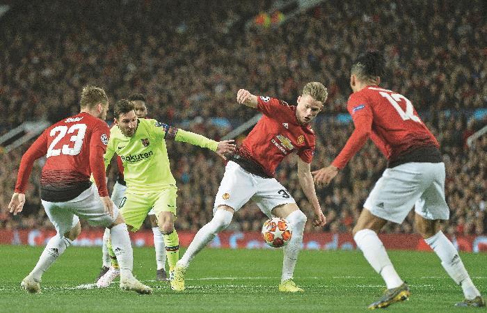 Messi en el partido de ida ante el United. Foto: EFE
