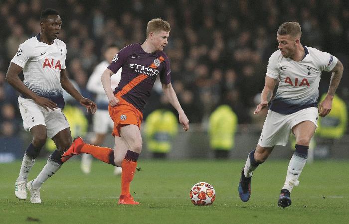 Manchester City busca la remontada en casa. Foto: AFP