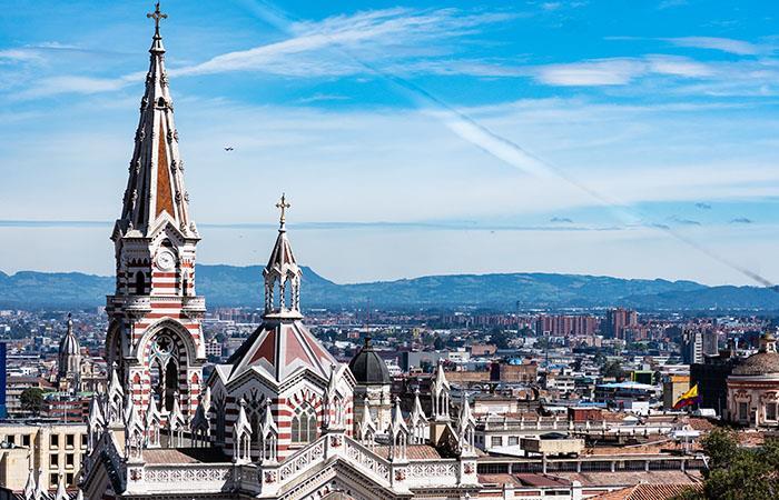 Los colombianos suelen recorrer las siete iglesias entre Jueves y Viernes Santo. Foto: Shutterstock