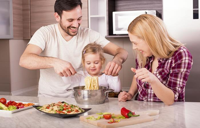 Debes comer estos alimentos para mantener valores nutricionales óptimos. Foto: Shutterstock.