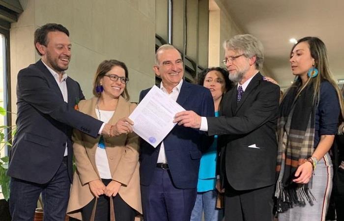 Humberto de la Calle defenderá a Antanas Mockus en busca de recuperar su curul en el Senado