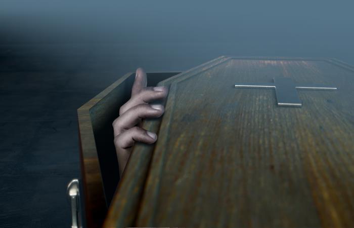 Testigos aseguran que el hombre fue enterrado vivo. Foto: Shutter Stock